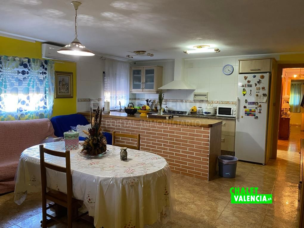 Cocina abierta chalet Chiva Valencia