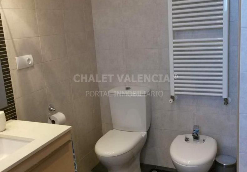 54887-bano-01-chalet-valencia