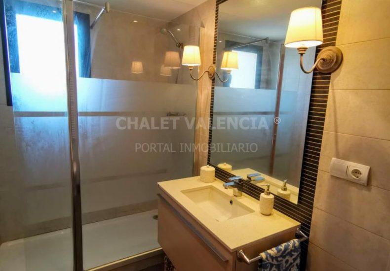 54887-bano-02-chalet-valencia
