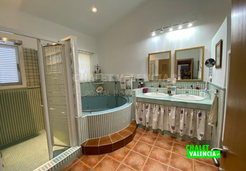 55029-8453-chalet-valencia