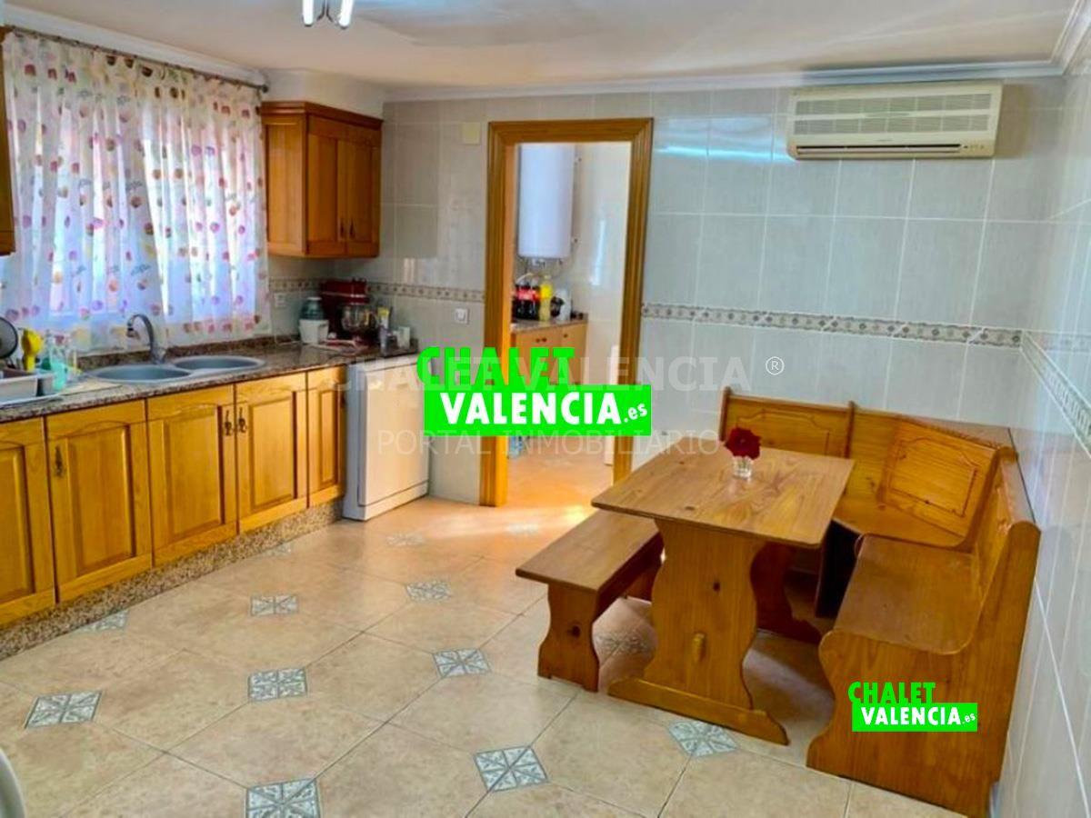 Cocina grande chalet en Valencia