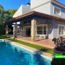 Luxury villa in the park of La Cañada