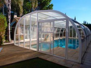 Chalet con piscina cubierta en Valencia