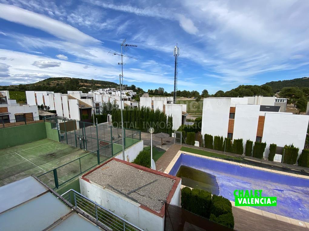 Chalet moderno en urbanización El Bosque