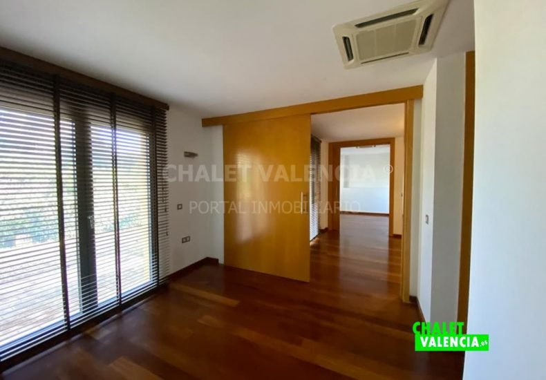 59292-1303-chalet-valencia