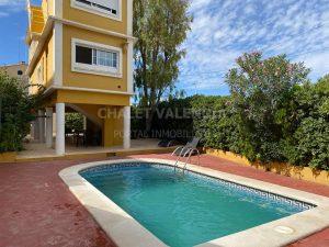 Chalet con piscina en Moncada Valencia