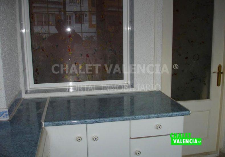 60629-cocina-lavadero-ventana-olimar-chalet-valencia