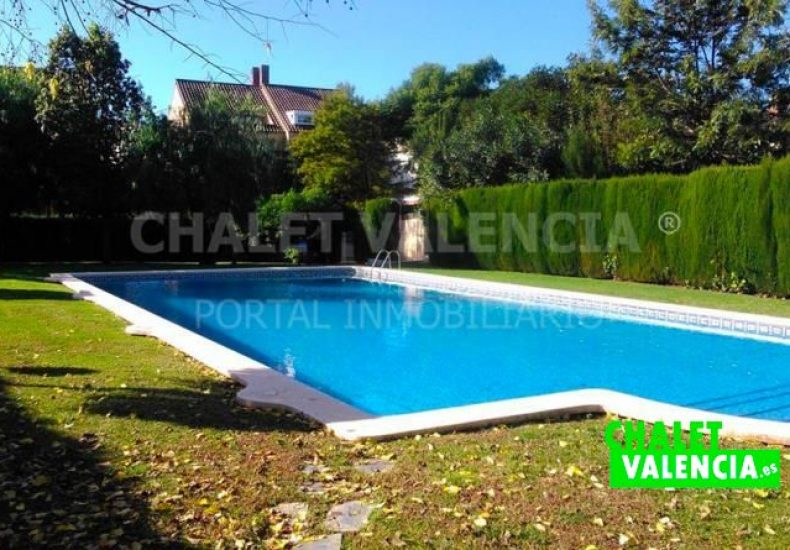 60722-piscinaComunitaria2-chalet-valencia