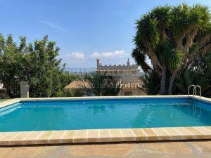 Chalet señorial con piscina junto Lliria centro